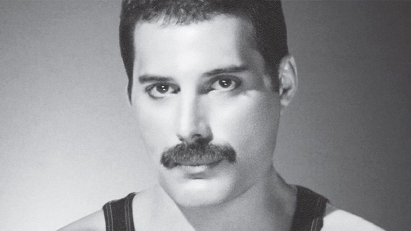 Freddie Mercury - There Must Be More To Life Than This