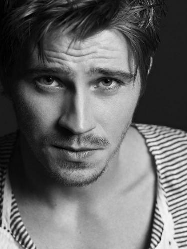 Garrett Hedlund - Give in to Me